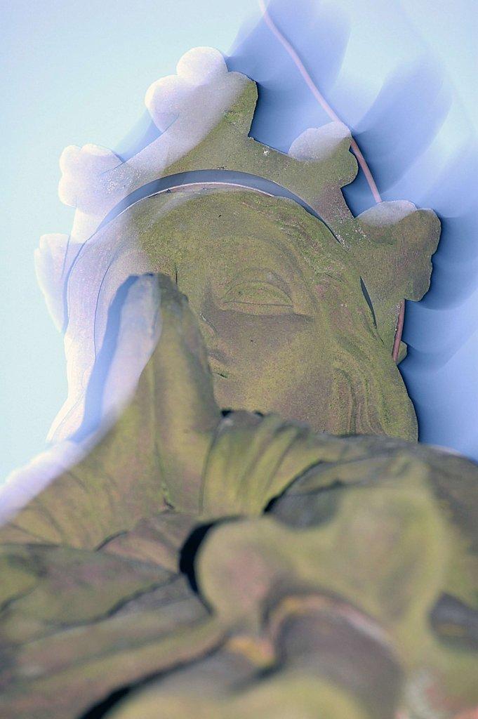 Marienfigur auf der Mariensäule (Blitz-Fehlbelichtung), 12.09.2007